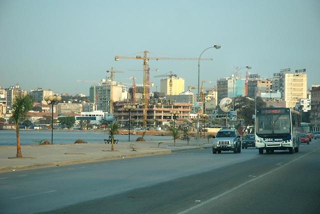 Bay of Luanda - construction
